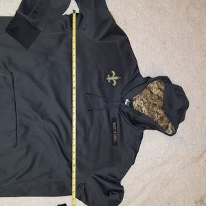 official photos ebbf1 7abf5 New Orleans Saints, Salute to Service Hoodie